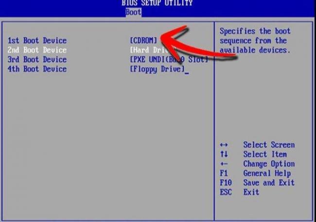 Perehodim-vo-vkladku-Boot-s-pomoshhju-strelok-v-punkte-1st-Boot-Device-vystavljaem-na-pervoe-mesto-CD-disk-nazhimaem-F10--e1532002678506.jpg