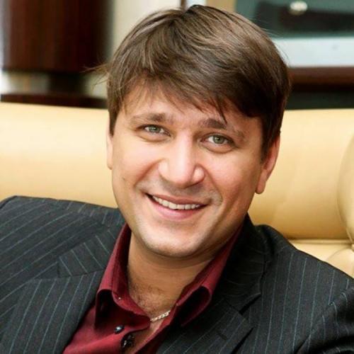 Виктор-Логинов-биография-личная-жизнь-фото-новости-жена-дети-3.jpg