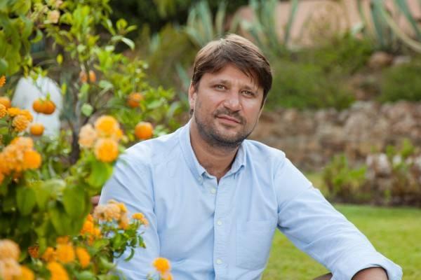 Виктор-Логинов-биография-личная-жизнь-фото-новости-жена-дети-2.jpg